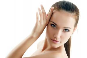 Как да почистваме лицето си правилно с подходящите уреди